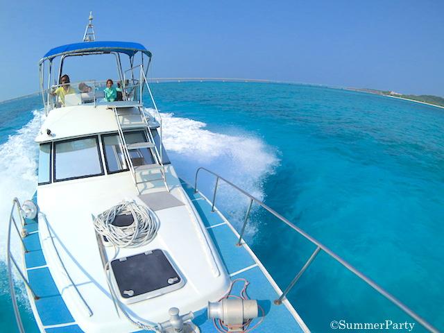 池間島の海とボート