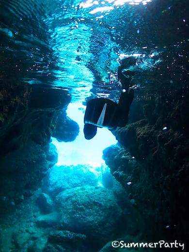 宮古島青の洞窟 青色の向う側へ