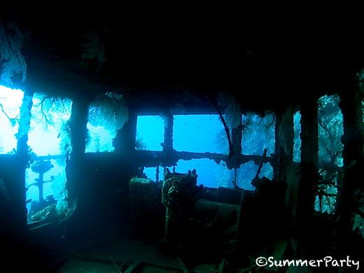 ヤビジ 沈船タグボート船内