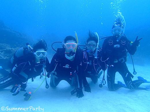 体験ダイビング4人組